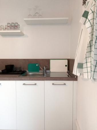 La cucina spaziosa, moderna e funzionale